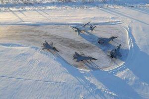 Nghiêm trọng: 4 tiêm kích MiG-31 của Nga đồng loạt hạ cánh khẩn cấp, điều gì đã xảy ra?