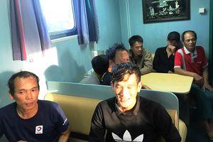 Cứu 7 ngư dân gặp nạn cạn kiệt gạo và nước ngọt trên biển