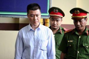 Xét xử đường dây đánh bạc nghìn tỉ: Tại sao Phan Sào Nam trốn truy nã?