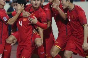 Tin sáng (17.11): ĐT Việt Nam thắng bởi biết cách ép Malaysia chơi tấn công