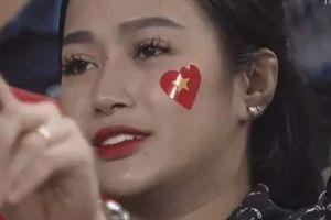 Cô gái hot nhất màn ảnh trong trận Việt Nam - Malaysia