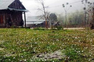 Cảnh báo lốc, sét, mưa đá và gió giật mạnh ở vùng núi Bắc Bộ