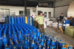 Hà Nội: Kịp thời ngăn chặn hơn 6 tạ bóng cười và bình khí trái phép tuồn ra thị trường