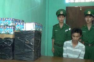 Bắt đối tượng vận chuyển 66kg pháo hoa từ Lào vào Việt Nam