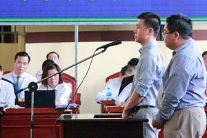 Xét xử đường dây đánh bạc ngàn tỉ: Người thân 'ông trùm' Phan Sào Nam khóc nấc trước tòa