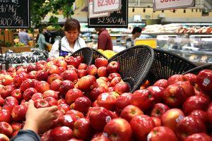 Chi ngàn tỉ mỗi tháng ăn rau quả nhập