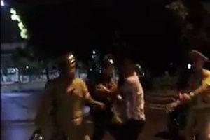 CSGT Quy Nhơn 'té ngã' khi giằng co: Phạt hành chính 2 thanh niên