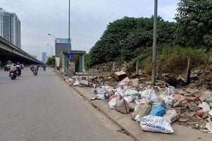 'Mất điểm' vì rác thải và hàng rong