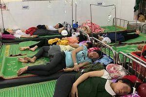 Hơn 150 công nhân nhập viện cấp cứu sau bữa ăn trưa