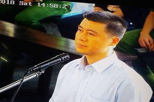 Xét xử vụ đánh bạc nghìn tỷ: Phan Sào Nam tỉnh táo nhận tội trước Tòa