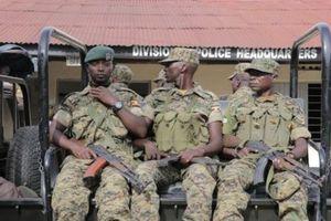 Uganda - Quân đội bảo vệ doanh nghiệp Trung Quốc