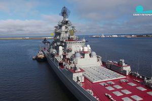 Tuần dương hạm Nga phóng vũ khí 'vừa biết bơi vừa biết bay'