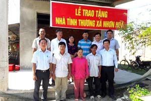 VNPT tặng nhà tình thương và mái ấm công đoàn