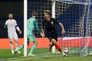Croatia 3- 2Tây Ban Nha: Sai lầm nơi hàng thủ