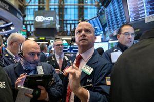 S&P 500 tăng điểm nhờ tuyên bố của ông Trump về thương mại