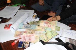 Lâm Đồng: Thu giữ tiền tỷ và nhiều 'hàng nóng' ở sới bạc