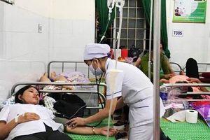 Hơn 150 công nhân nôn ói, tụt huyết áp sau khi ăn trưa tại công ty