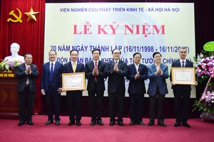 Viện Nghiên cứu phát triển kinh tế - xã hội Hà Nội đón nhận Bằng khen của Thủ tướng Chính phủ