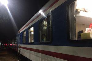 Đường sắt Thống Nhất thông tuyến trở lại sau sạt lở và ngập đường ray