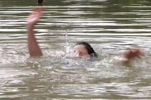Rủ nhau tắm sông, 3 học sinh lớp 9 đuối nước thương tâm