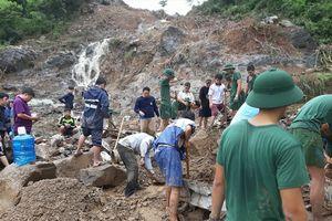 13 người chết và mất tích trong mưa lớn gây sạt lở tại Nha Trang