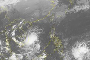 Mưa ngập tại Khánh Hòa, nhiều chuyến bay bị ảnh hưởng