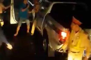 CSGT Bình Định lên tiếng về clip đánh nhau với tài xế