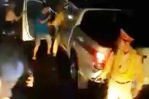 Trần tình của CSGT bị tố đánh nhau với lái xe: Cố khống chế người tấn công mình
