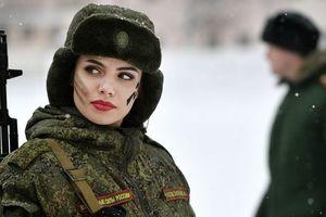 Nữ binh sĩ Nga khởi kiện vì không được làm lính bắn tỉa