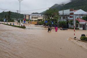 Nha Trang sạt lở do mưa lớn, nhiều người tử vong