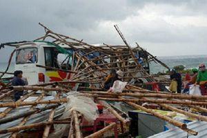 Phú Yên: Lốc xoáy tại Gành Đá Dĩa làm nhiều người bị thương