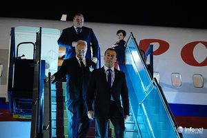Thủ tướng Nga Medvedev bắt đầu chuyến thăm chính thức Việt Nam