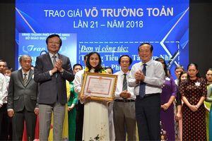 Trao giải thưởng Võ Trường Toản cho 50 cán bộ quản lý, giáo viên tiêu biểu