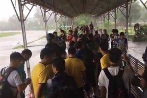 Đội tuyển Việt Nam khốn khổ vì thời tiết tại Myanmar