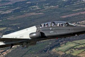 Máy bay huấn luyện không quân Mỹ rơi, phi công thiệt mạng