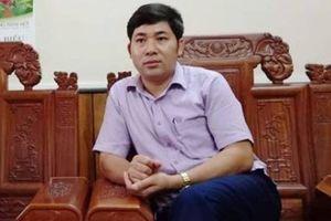 Giám đốc BQL dự án 'vòi tiền' doanh nghiệp bị khởi tố nửa tháng mới bị đình chỉ chức vụ