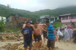 Nha Trang: Sạt lở kinh hoàng, ít nhất 12 người thiệt mạng