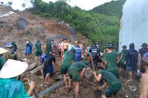 Sạt lở nhiều nơi ở Nha Trang, ít nhất 12 người thiệt mạng