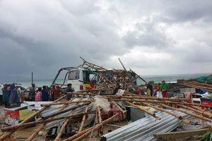 Lốc xoáy kinh hoàng san phẳng Gành Đá Đĩa, 27 người bị thương la liệt