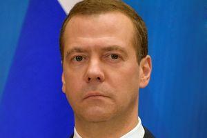 Thủ tướng Liên bang Nga bắt đầu chuyến thăm chính thức Việt Nam