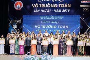 50 nhà giáo ở TP HCM nhận giải thưởng Võ Trường Toản