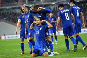Clip: Tuyệt phẩm sút phạt góc ăn bàn của tuyển thủ Thái