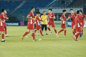 Buổi làm quen sân thi đấu của các tuyển thủ Việt Nam tại Myanmar