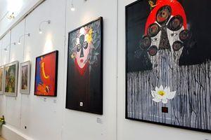 Thưởng lãm sáng tác nghệ thuật mừng Ngày Nhà giáo Việt Nam