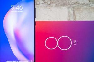 Đánh giá Xiaomi Mi 8 Lite: Mặt lưng chuyển màu, 'cày' game khỏe