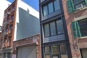Tận dụng 3m đất thừa, xây nhà phố nhỏ hẹp rao bán 116 tỷ gây choáng