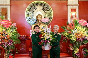Báo Quân đội nhân dân thăm, chúc mừng các cơ quan, học viện, nhà trường trong và ngoài quân đội