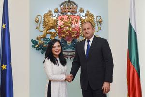 Đại sứ Nguyễn Thị Hồng Oanh chào từ biệt Lãnh đạo Bulgaria