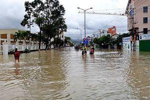Vì sao mưa lũ gây thiệt hại nặng nề ở Nha Trang?