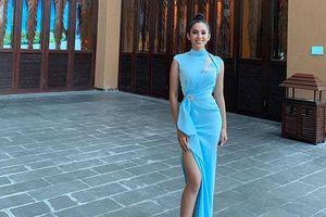Sau khi gợi cảm với bikini, Tiểu Vy lại đẹp tựa 'nữ thần' ở Miss World